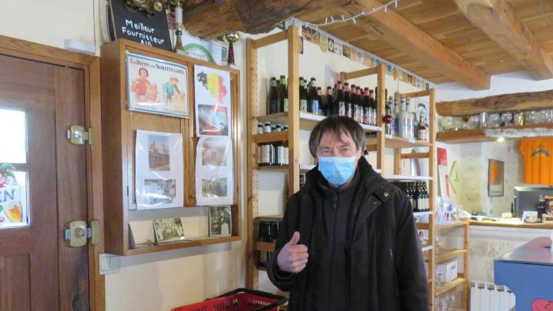 Jean-Paul Fontaine dans sa boutique. Il n'a pas trouvé de repreneur.
