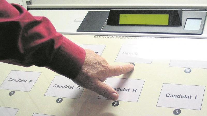 Treize suffrages, pour les quatre candidats confondus, avaient été jugés douteux.