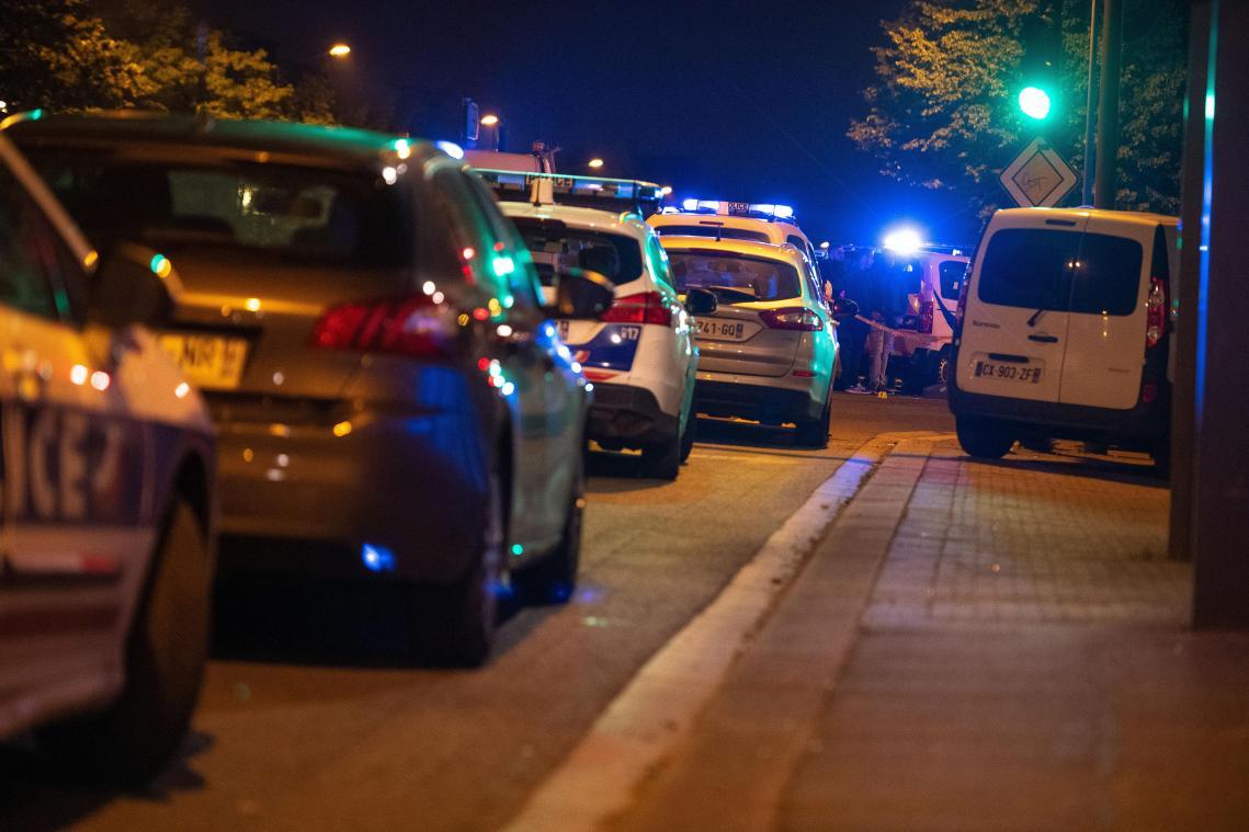 Trois morts dans une collision entre une voiture et une moto — Roubaix