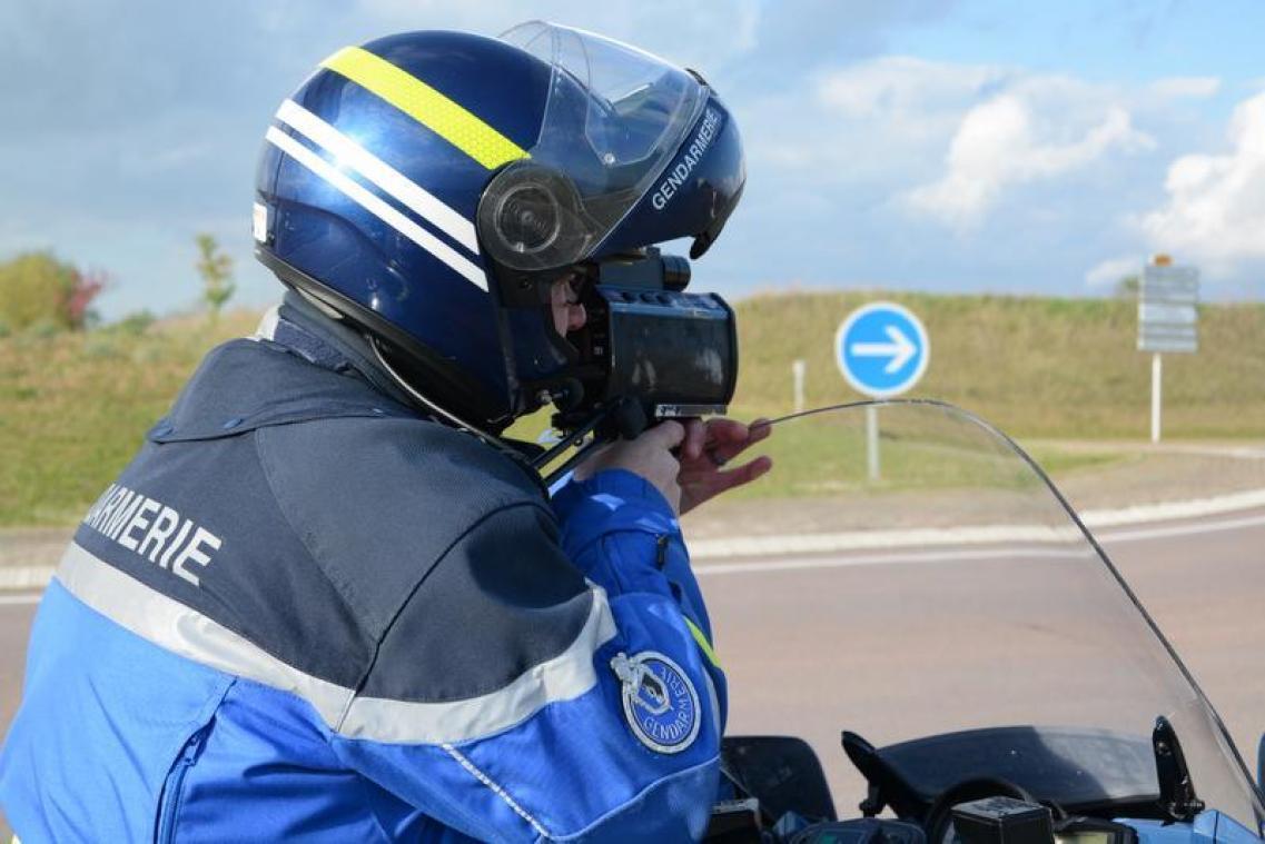 Un motard arrêté alors qu'il roulait à 224 km/h à Lacroix-Saint-Ouen