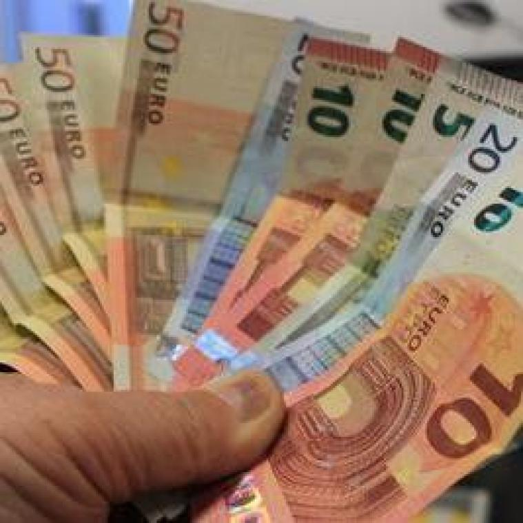 Il touche 177.000 euros par erreur et s'enfuit