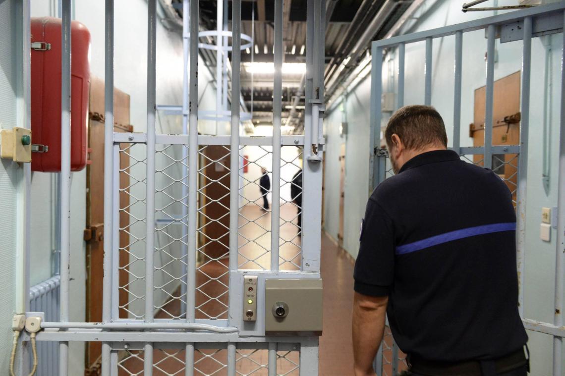 Cinq nouveaux cas ont été révélés après un dépistage massif du personnel, lundi 26 octobre.