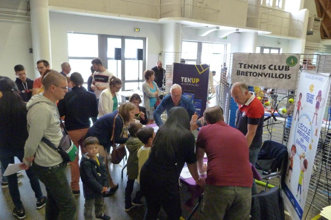 précédent Forum des association de Villers-Bretonneux: un grand merci aux bénévoles - Courrier picard