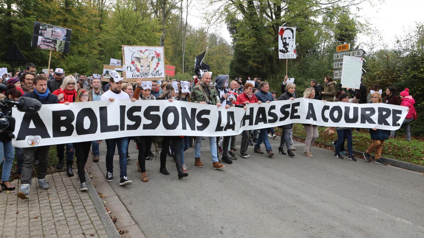 Les anti-vénerie se rassemblent à Vieux-Moulin ce samedi 2 novembre