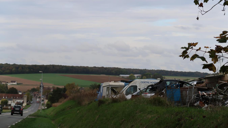 précédent À l'entrée de Saint-Omer-en-Chaussée, un dépôt sauvage pointé du doigt - Courrier picard