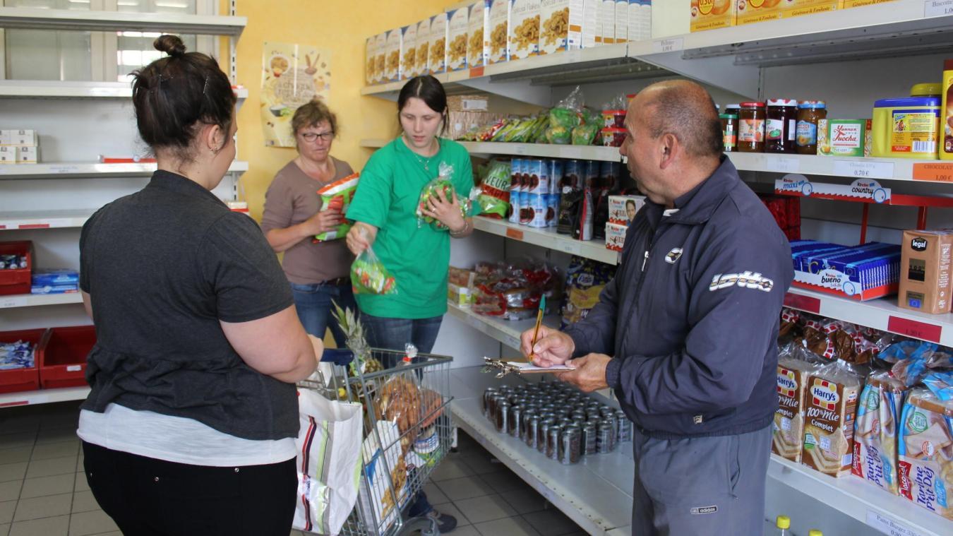 précédent À Noyon, 30 bénévoles aident 850 familles à se nourrir - Courrier picard
