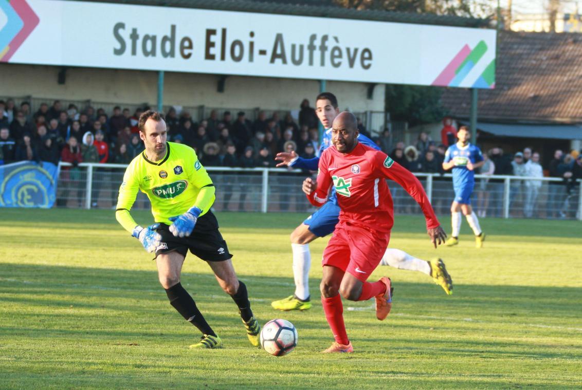 Football : Un groupe élargi à 20 joueurs pour Chambly, samedi, face à Beauvais - Courrier Picard