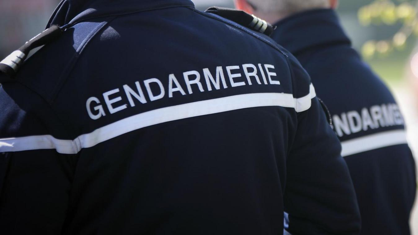 Le gendarme avait été grièvement blessé dans l'accident et évacué par hélicoptère à l'hôpital d'Amiens.
