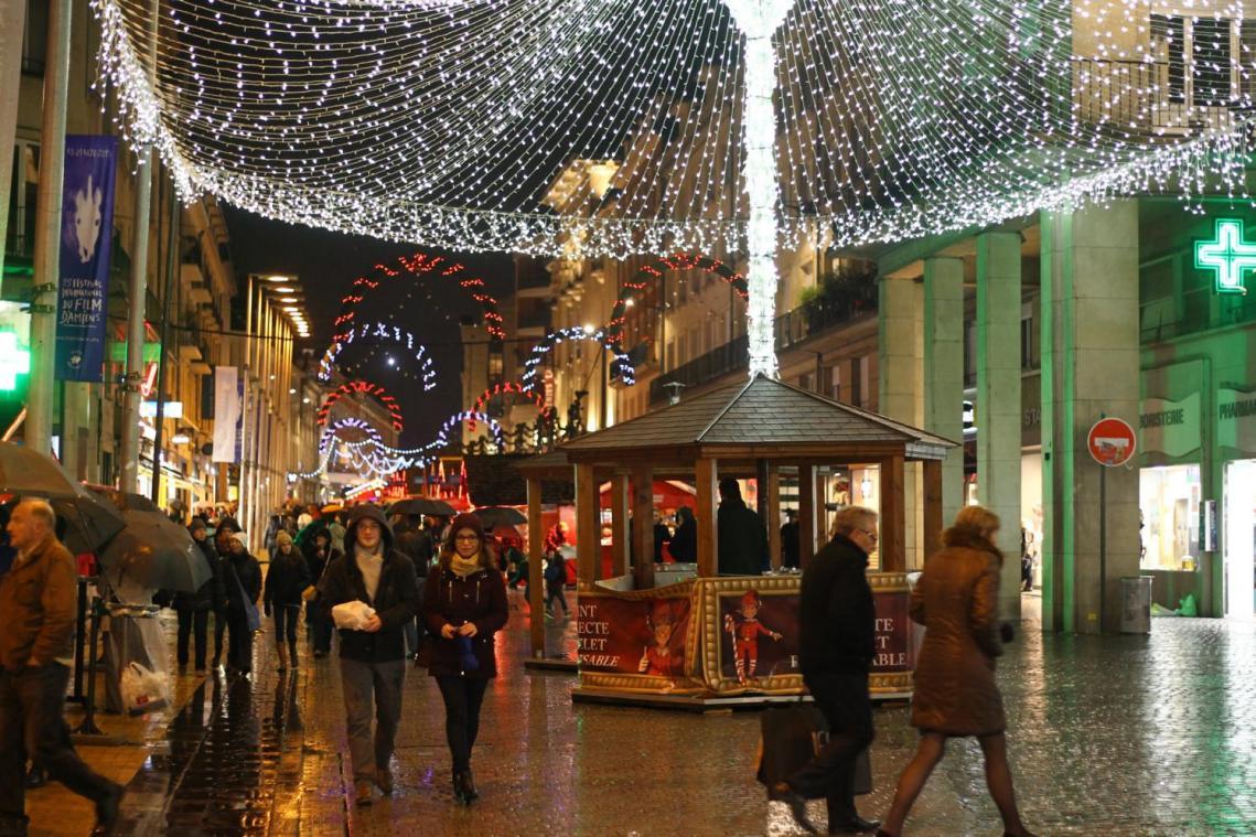 Marche De Noel A Amiens Amiens parmi les plus beaux marchés de Noël de France