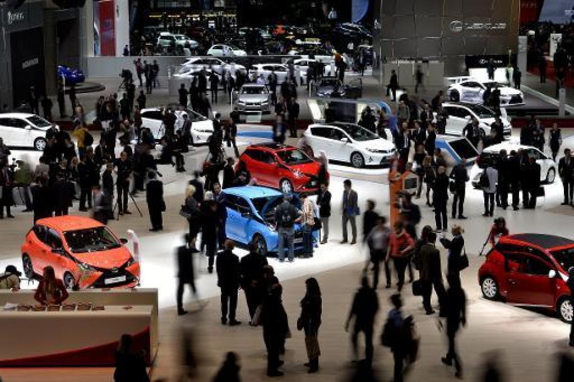 Le marché de l'automobile chute de 88,84% en avril (CCFA) — France