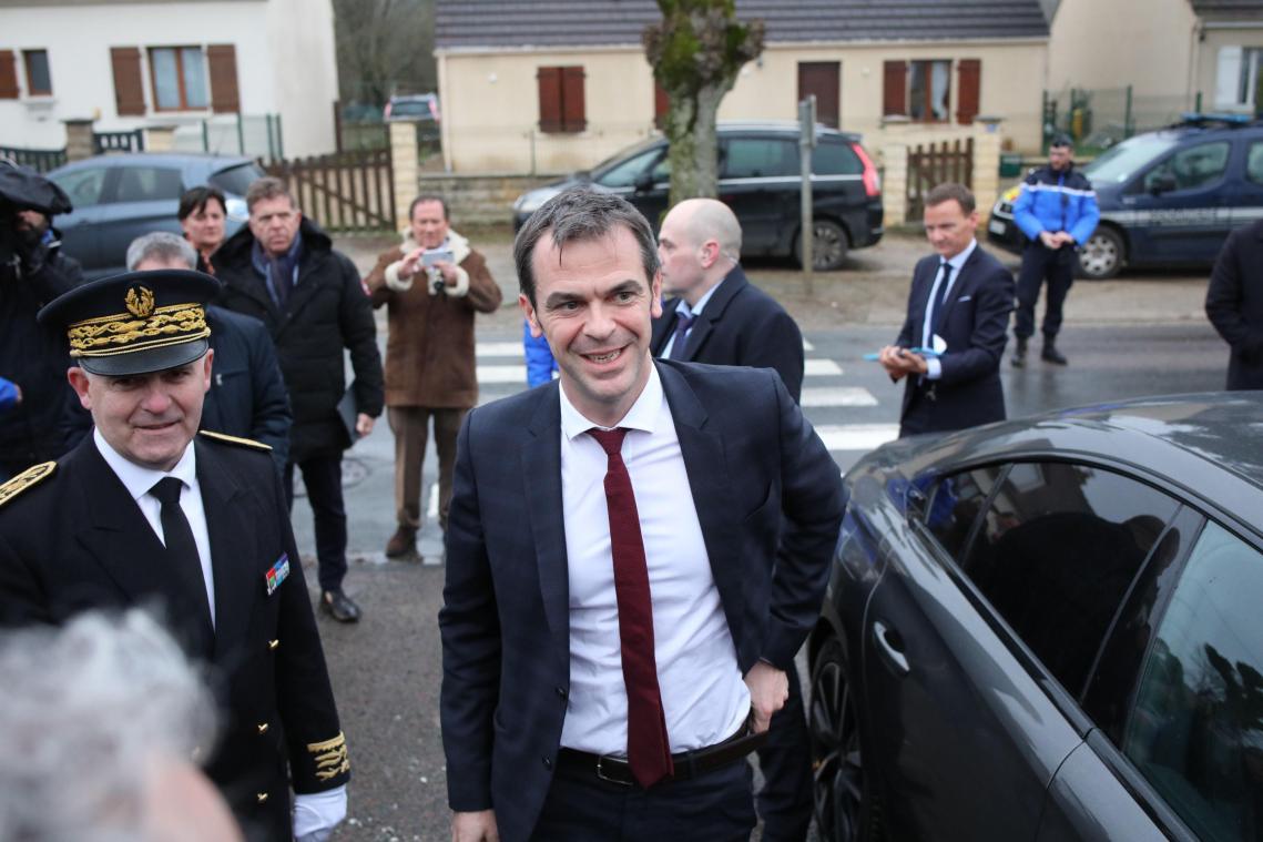 Le préfet Louis Le Franc (à gauche) vendredi 28 février en compagnie du ministre de la Santé, Olivier Véran.