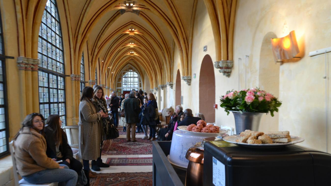 Salon De Jardin Moins De 100 Euros le salon de thé à compiègne, c'est sacré !