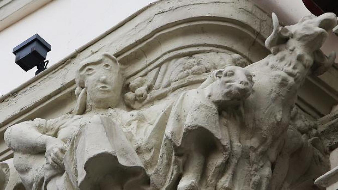 Une statue défigurée après sa restauration
