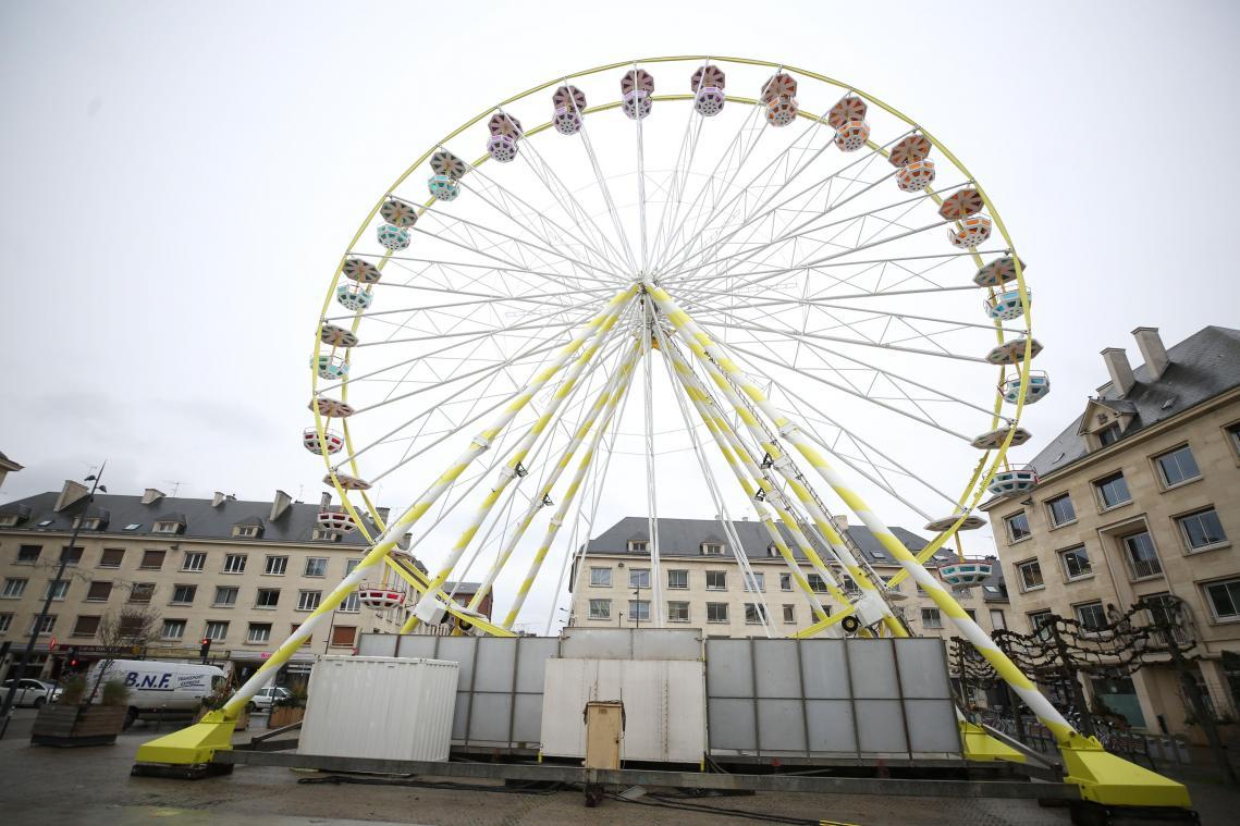 La grande roue d'Amiens est en place