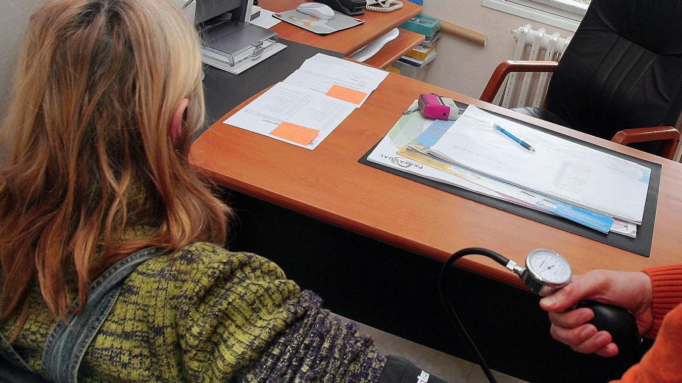 Quatre mois d'interdiction d'exercer pour le médecin abbevillois à la main baladeuse