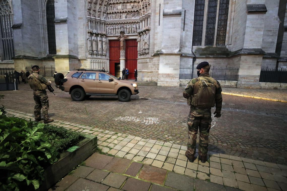 Messe de Noël à la cathédrale d'Amiens sous surveillance