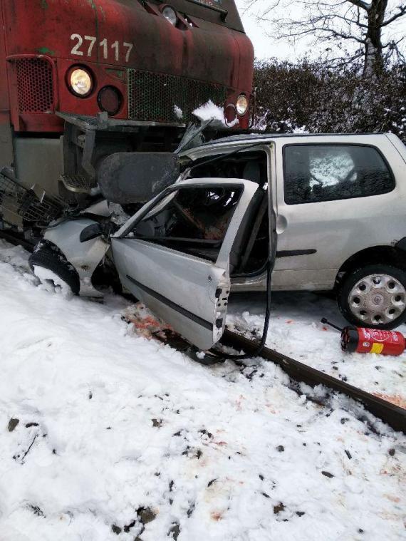Un conducteur en urgence absolue après une collision avec un train près de Clères