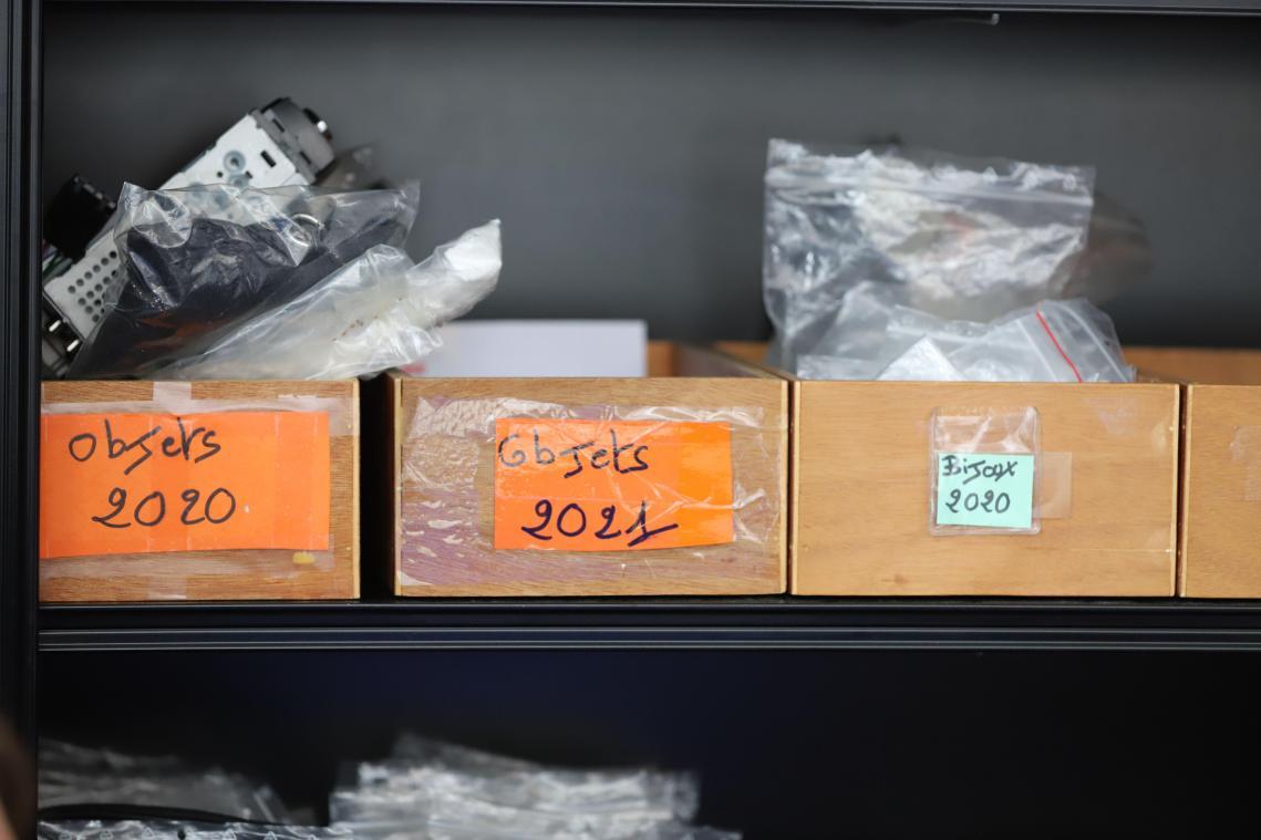 Plongée dans les objets trouvés à Amiens