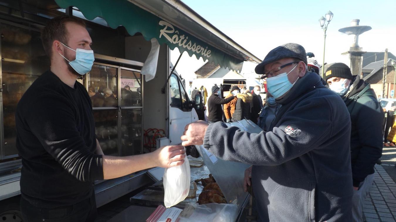 85 poulets ont été remis aux familles des Restos du cœur de Tergnier-Quessy.