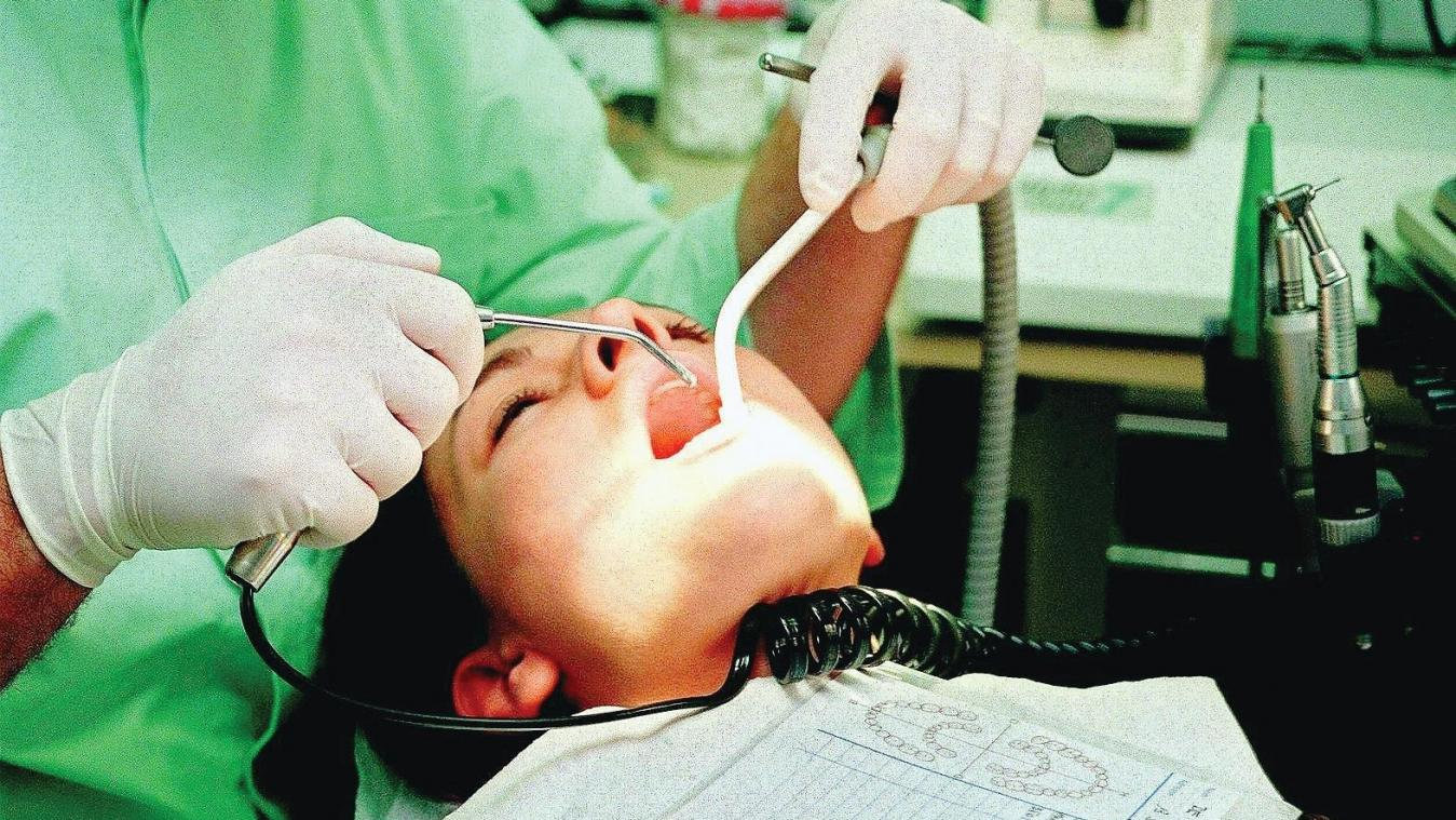 Le manque de dentistes dans le département se fait sentir. Il est difficile de prendre rendez-vous pour se faire soigner.