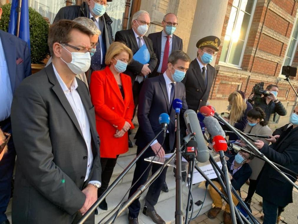 Le gouvernement impose un confinement partiel — Dunkerque