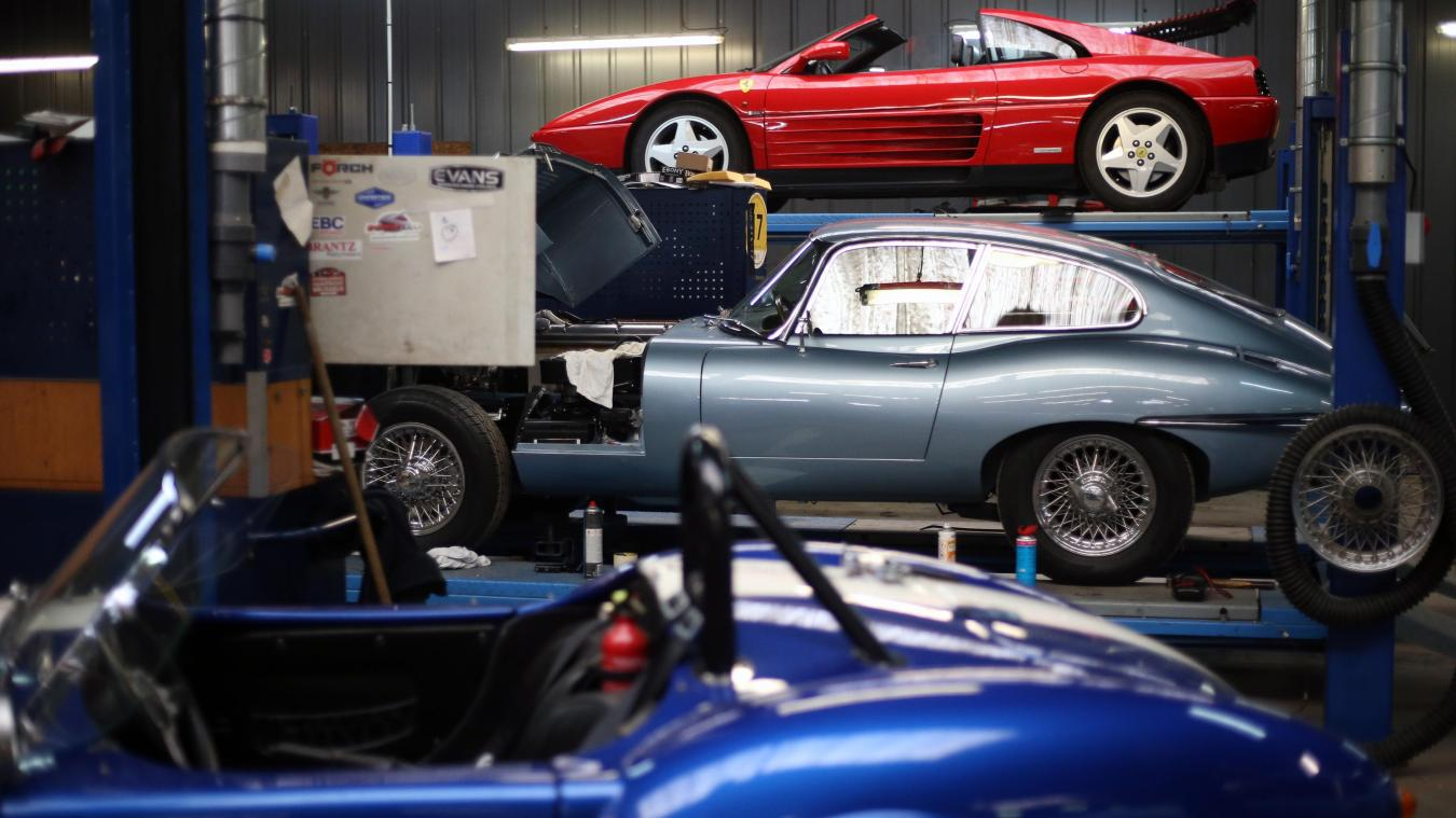 L'Atelier des Coteaux assure la restauration complète de véhicules de collection.
