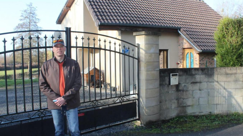 Michael Rousselle ne peut plus entrer chez lui. Son locataire, bien que le bail soit terminé, n'est pas disposé à quitter la maison.