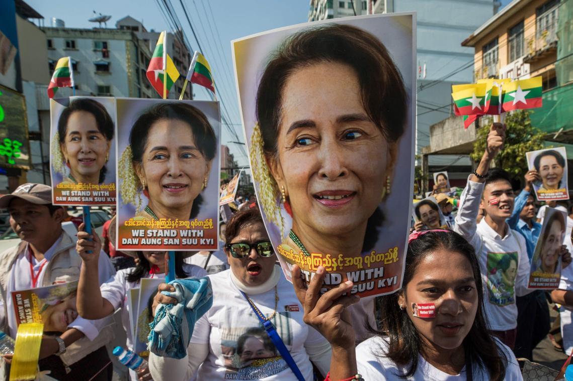 Aung San Suu Kyi comparaît en vidéoconférence devant la justice, «en bonne santé»