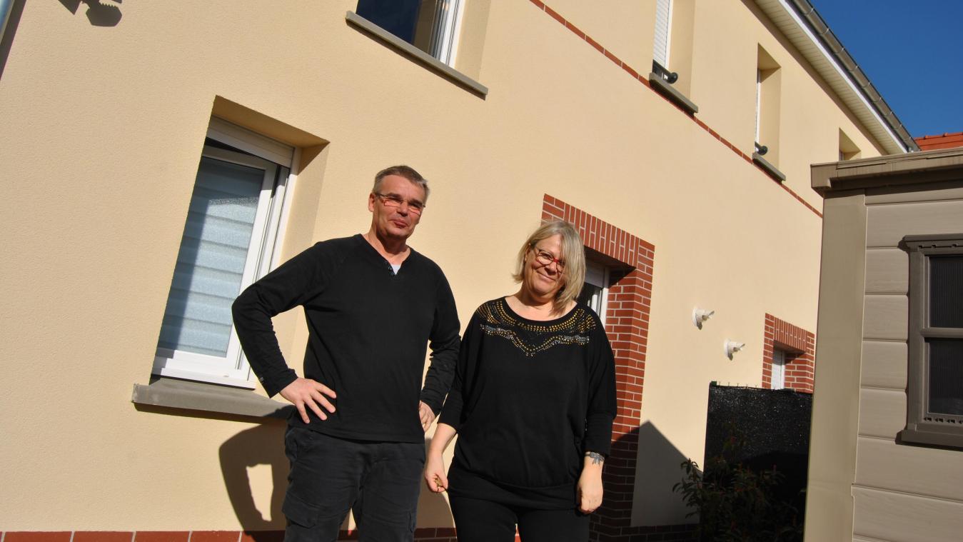 Thierry et Béatrice Carré, dans leur maison depuis un an, au cœur du quartier Saint-Jean.