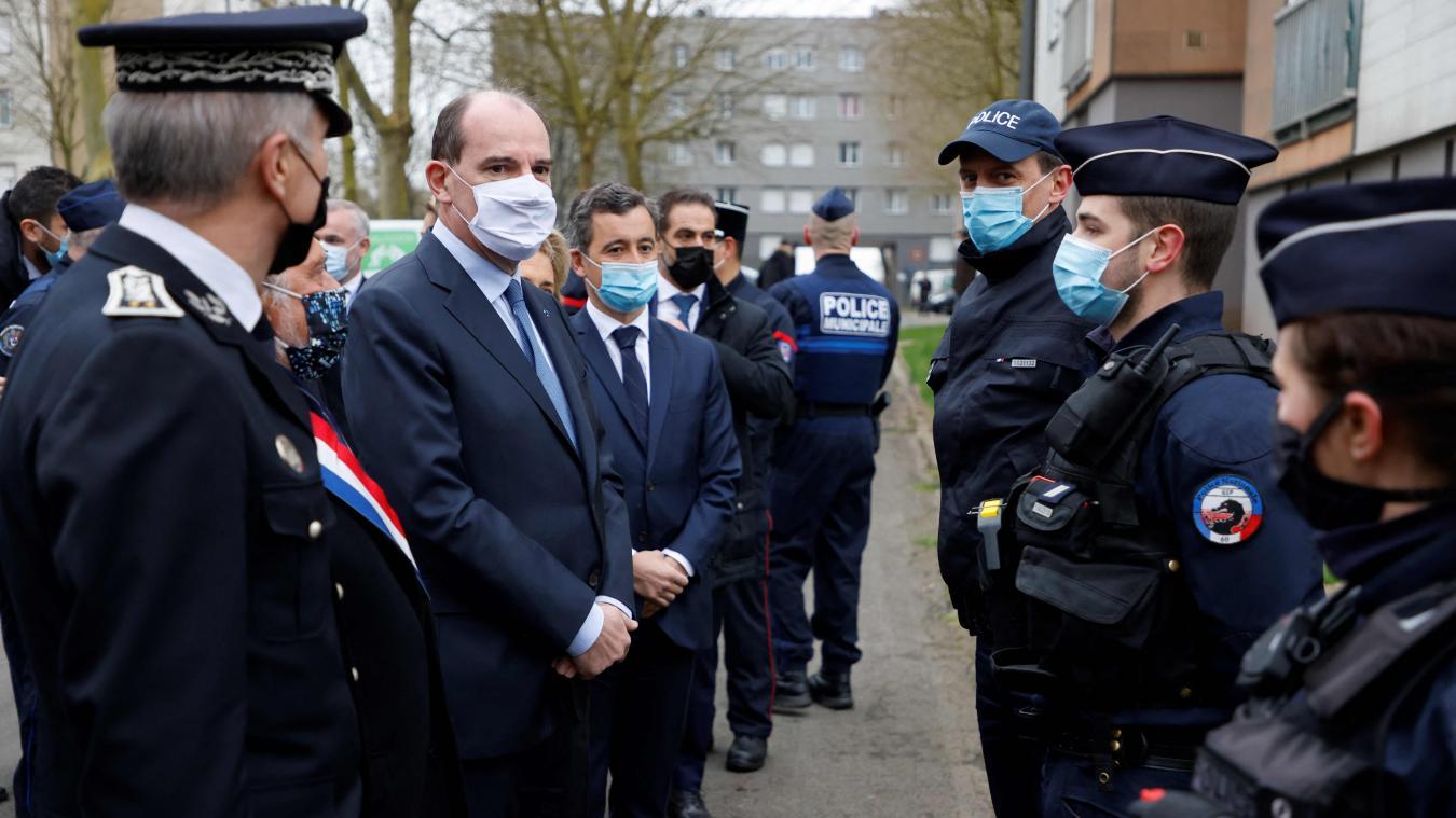 Jean Castex et gérald darmanin ont rencontré les services de police de Beauvais.