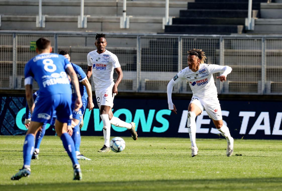 L'Amiens SC fait chuter le leader Troyes!