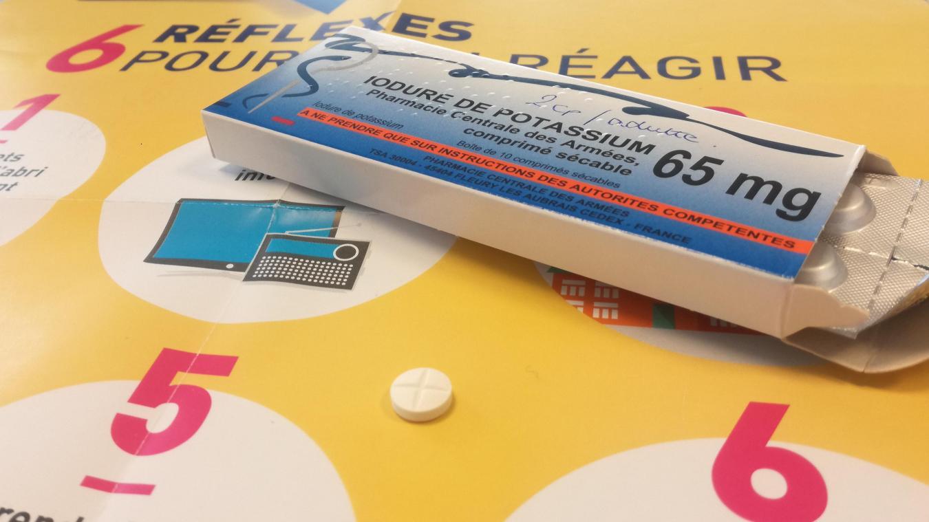 Pas besoin d'attendre de recevoir les comprimés: on peut aller les chercher à la pharmacie avec un justificatif de domicile.