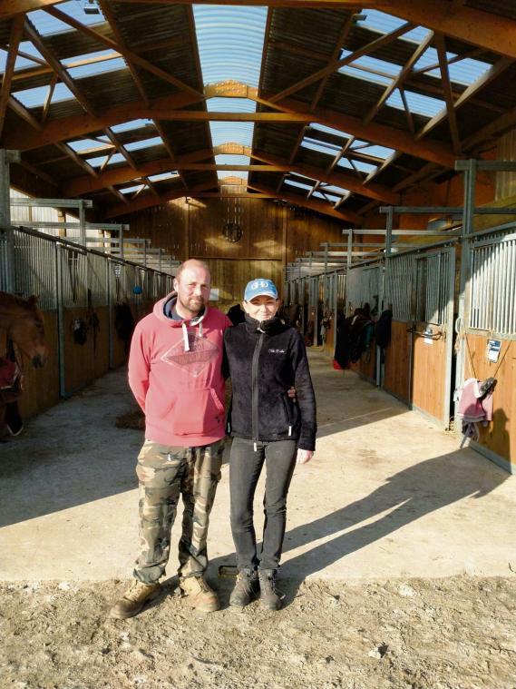 Marie et Jérôme, fiers de ce label national attribué à Annouv'Equid. (Photo PN)