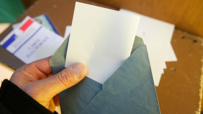 Elections régionales: Castex privilégie «à ce stade» le maintien en juin