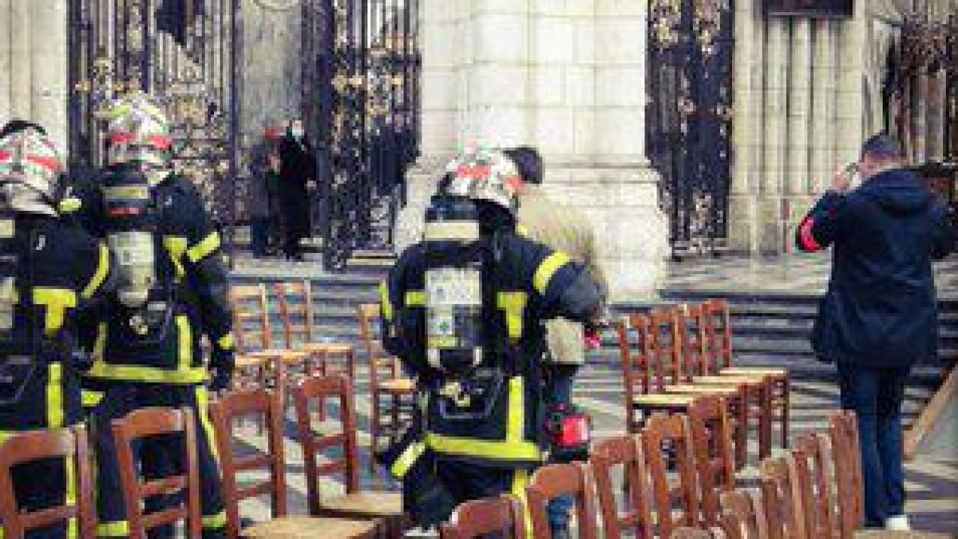 Les sapeurs pompiers ont inspecté les lieux.