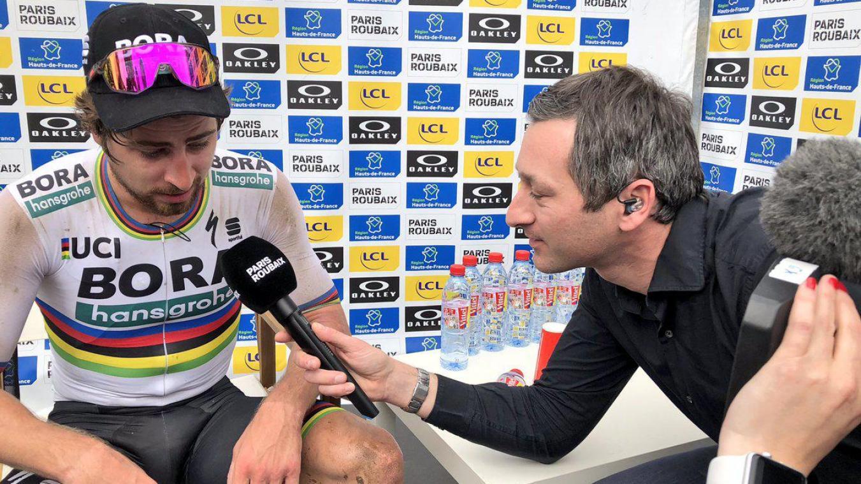 Nicolas Geay en interview avec Peter Sagan, après la victoire du Slovaque sur le Paris-Roubaix en 2018. (Photos DR)