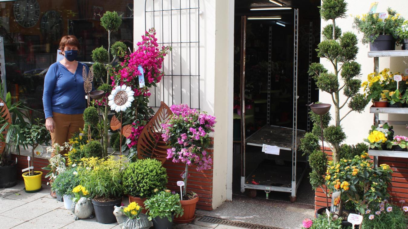 Anne Thomas a repris le magasin d'alimentation générale de ses parents pour y ouvrir sa boutique de fleurs.