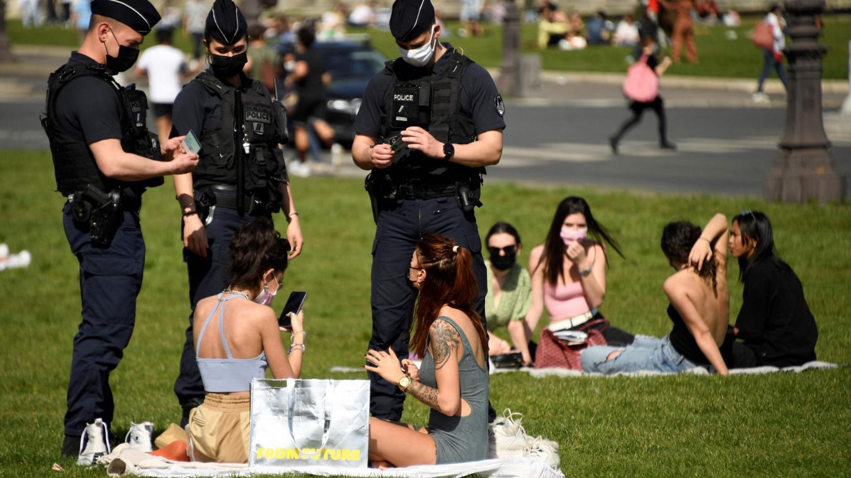 Le Premier ministre Jean Castex avait indiqué jeudi que la consommation d'alcool sur la voie publique sera interdite ces prochaines semaines.