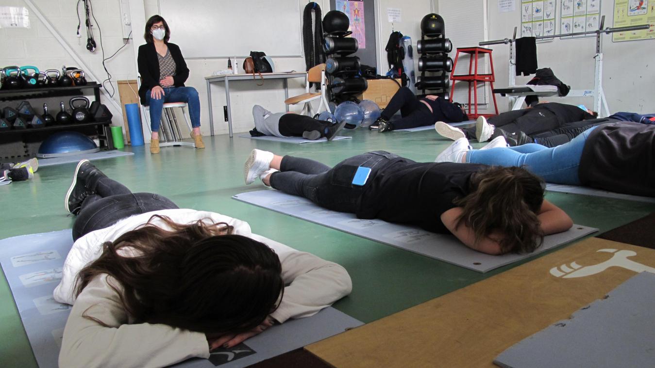 Des élèves du collège du Val de Somme ont pu s'initier à la sophrologie avec Mélanie Castro, qui intervenue durant les séances sport adapté proposées par le professeur d'EPS Thomas Cuisset.