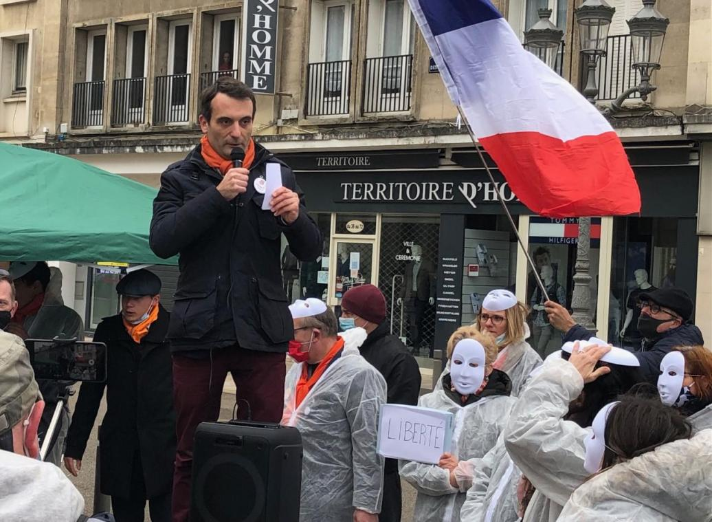 Philippot et une centaine d'anti-masques à Beauvais