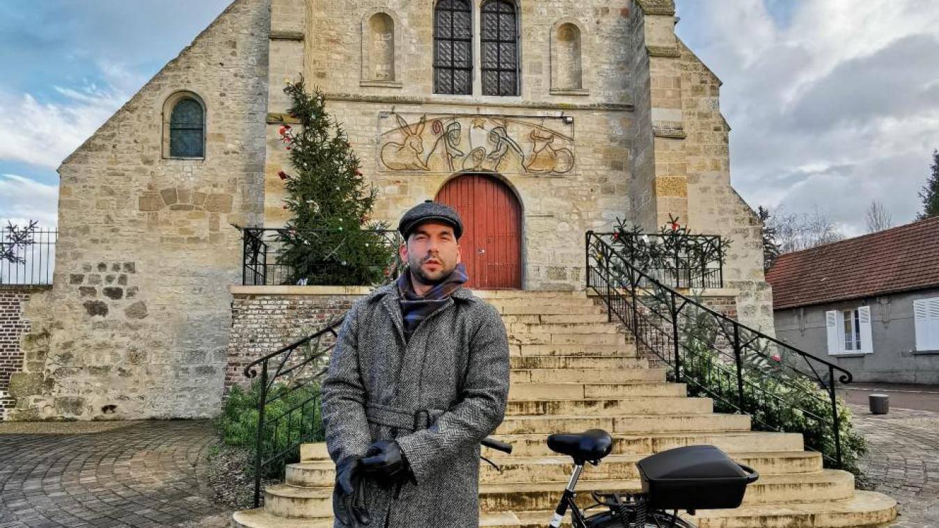 «En venant ici, à Estrées-Saint-Denis, j'ai trouvé sérénité, sécurité et amitié, ce qui m'a permis de rebondir après le coup d'arrêt provoqué par l'épidemie de Covid», confie le chanteur.
