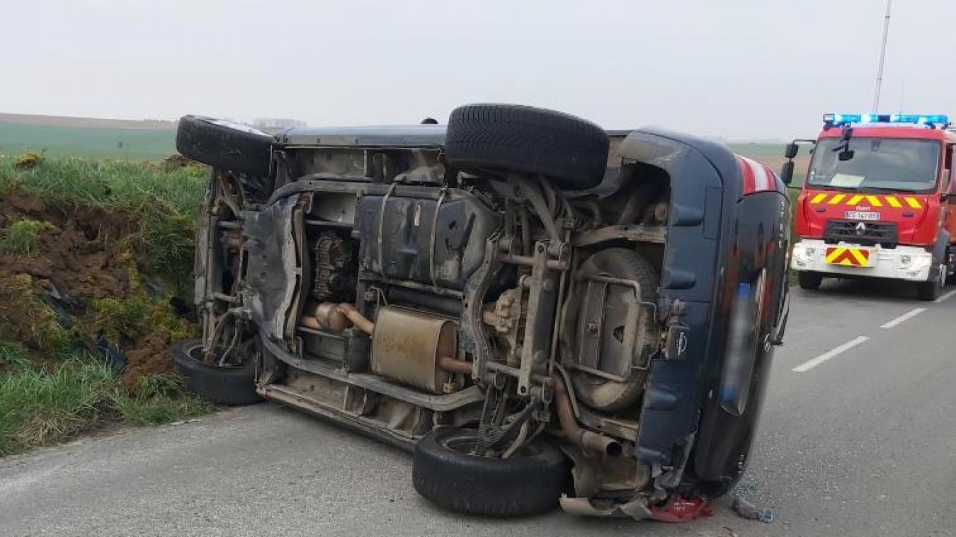 Le véhicule a depuis été retiré de la voie de circulation.