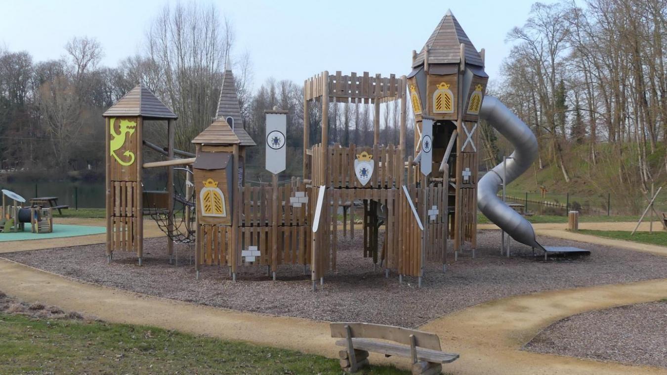L'aire de jeux du parc du Cam à Péronne va rester fermée