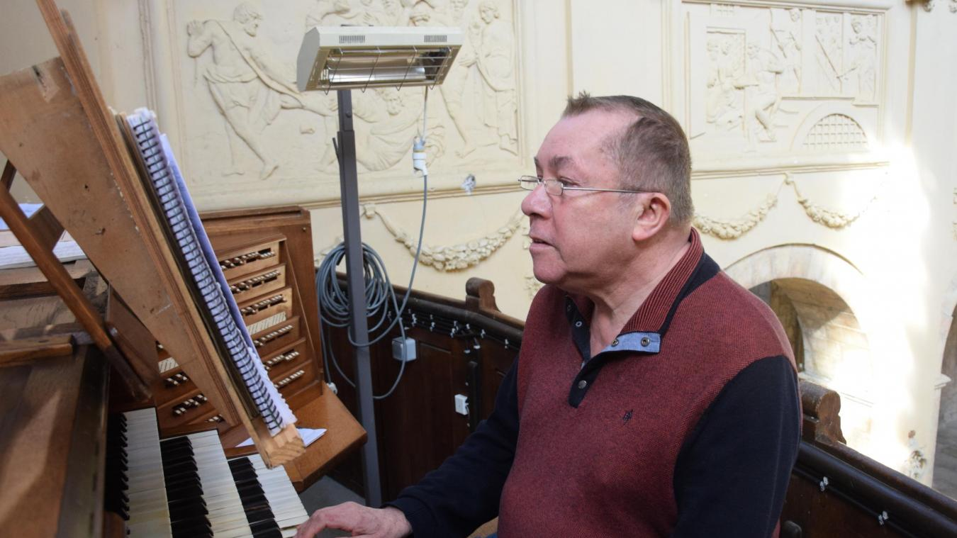Patrick Delarue, organiste à l'Abbatiale de Ham, retrouve un instrument propre, paré à la prochaine tranche de travaux.