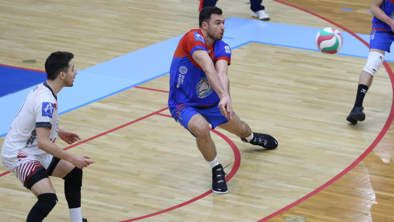 Eldin Demirovic (en bleu et rouge) ne portera pas le maillot du SQV en 2021-2022. Archives Gaël Hérissé