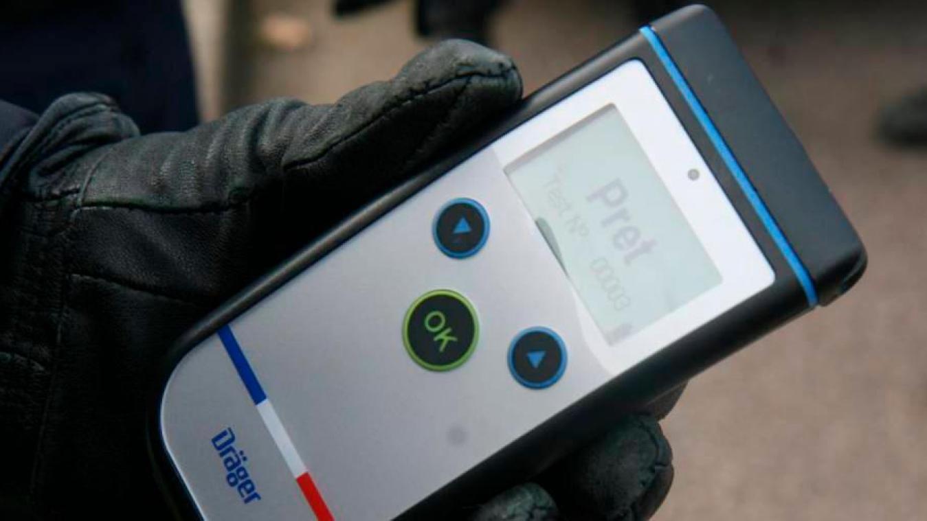 L'éthylomètre a affiché un taux de 2,40 grammes d'alcool dans le sang.