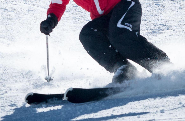 Il a chaussé les skis mais n'a pas regardé la météo avant de passer une frontière clandestinement et éviter une quarantaine liée au Covid-19.