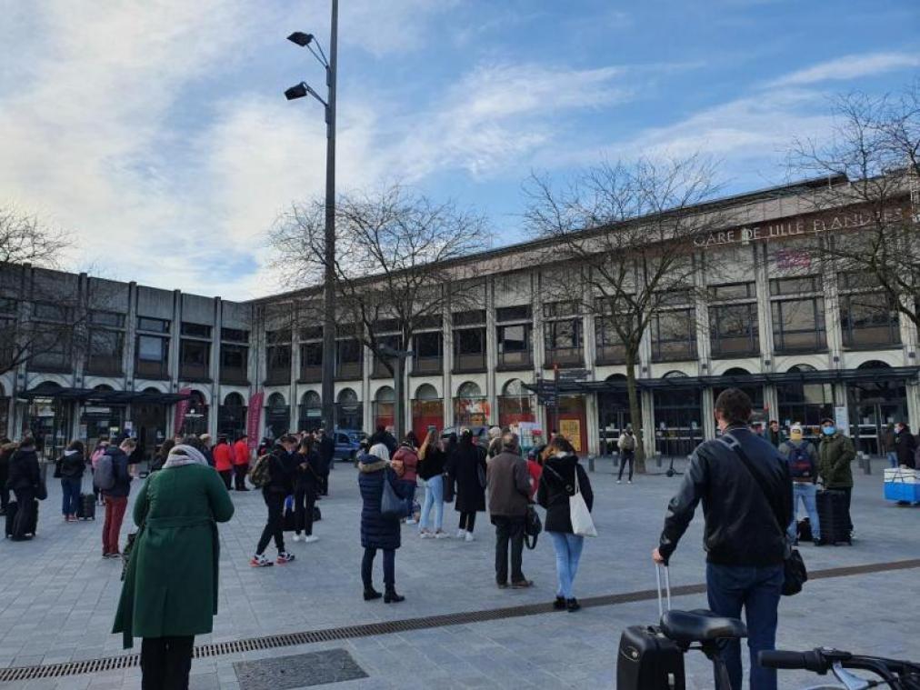 Les gares Lille-Flandres et Lille-Europe évacuées après une alerte attentat ce mardi matin