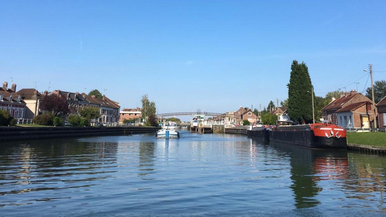 Le canal latéral à l'Oise, c'est 30 km de voie d'eau entre Longueil-Annel (notre photo) et Saint-Quentin.