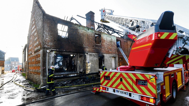 La maison avait été entièrement détruite dans l'incendie